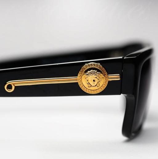 Vintage Versace 372/DM sunglasses